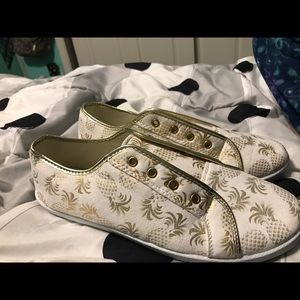 Shoes - Pineapple shoes